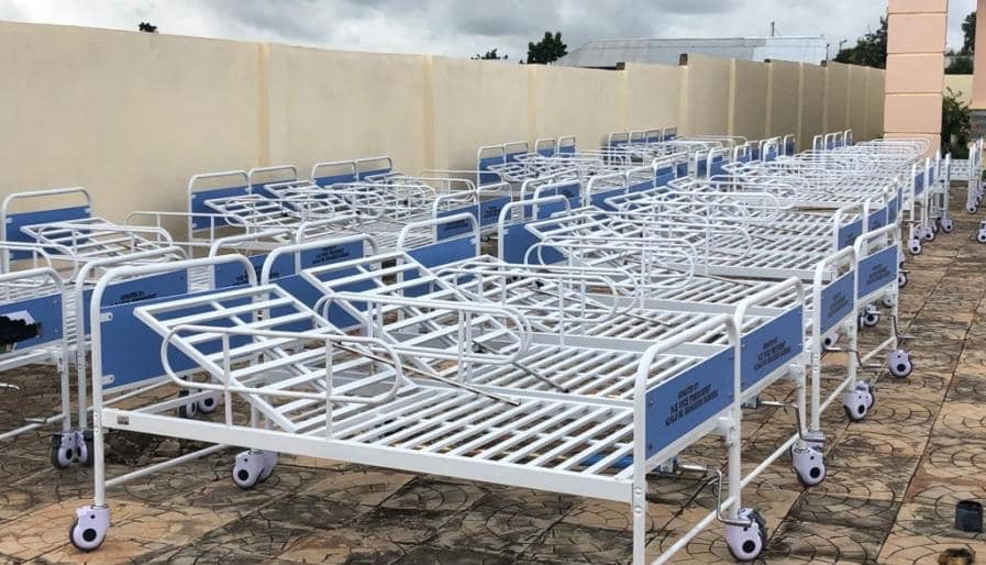 , Photos: Dr. Bawumia donates beds and incubators to Walewale Hospital on his 56th Birthday, GHSPLASH.COM