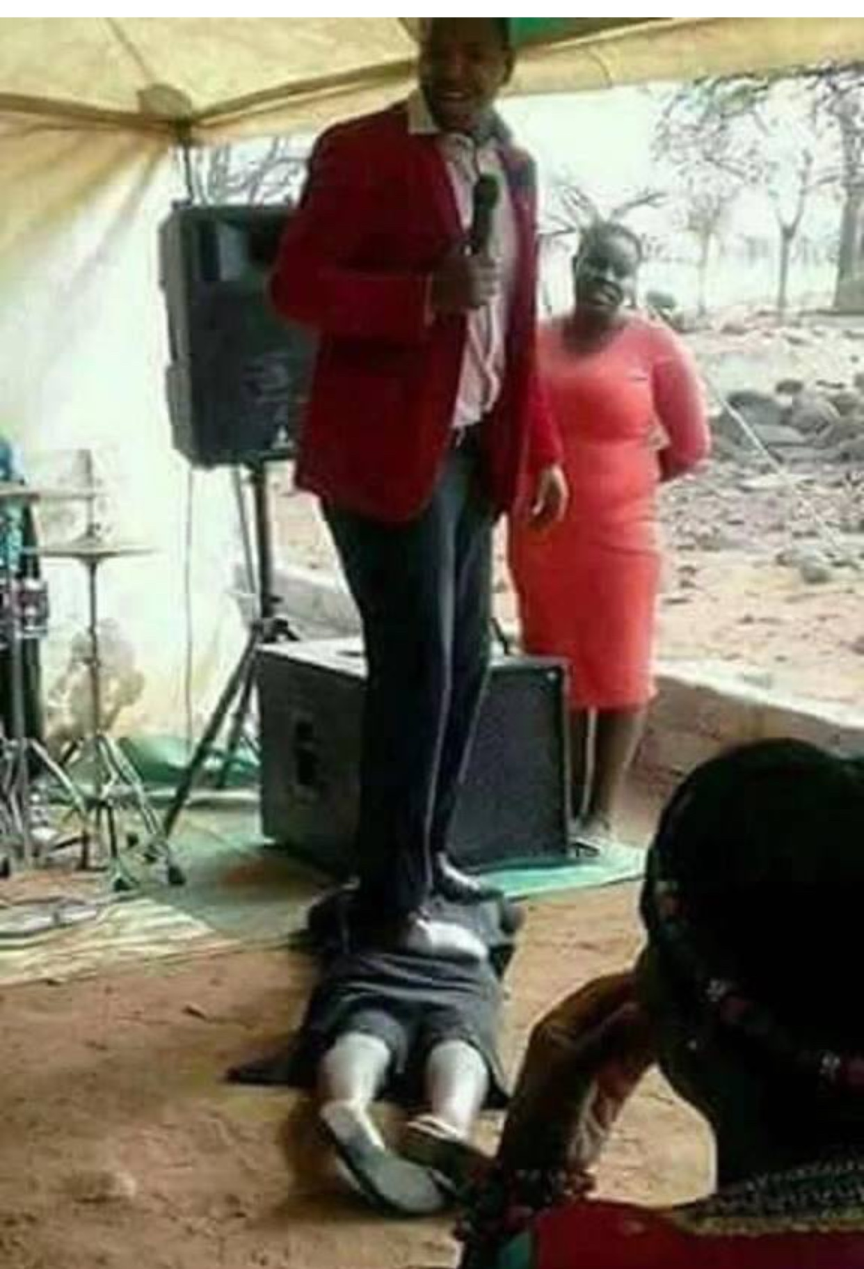 These 10 Ridiculous Photos Prove That Most Pastors Are Definitely Going To Hell, These 10 Ridiculous Photos Prove That Most Pastors Are Definitely Going To Hell, GHSPLASH.COM