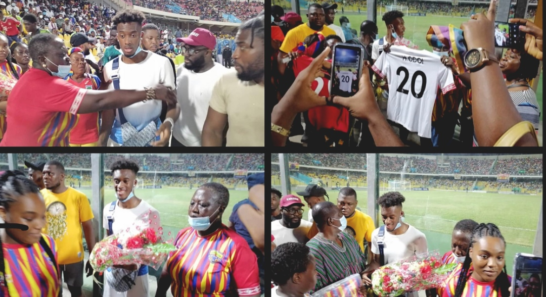 Hearts fans gifts Chelsea's Hudson-Odoi a customized Jersey as he watches  GPL game